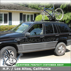 1995 Jeep Grand Cherokee Laredo Bike Roof Rack with RockyMounts Noose SL