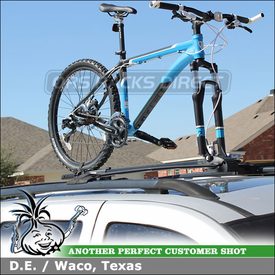 2004 Jeep Grand Cherokee Bike Rack for Factory Rack Cross Bars using Yakima ForkLift Roof Bike Rack