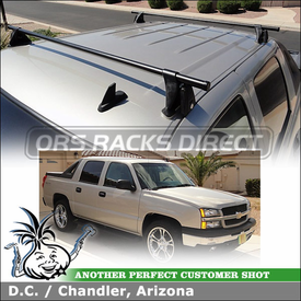 2006 Chevrolet Avalanche Pickup with Yakima Truck Top Roof Rack Crossbars