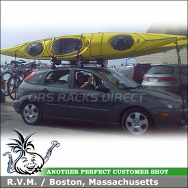 2007 Ford Focus 5-Door Roof Rack for 2 Kayaks with Yakima Q Tower System and BowDown Kayak Racks