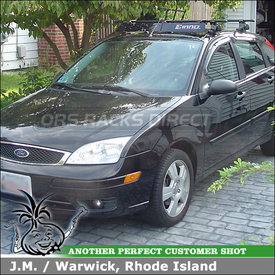 2007 Ford Focus Car Roof Rack using Inno IN-SU Stays & K508 Fit Hooks and Wind Fairing