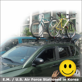 2007 Jeep Compass Bike Roof Rack with Yakima Universal MightyMounts & Raptor Bike Racks