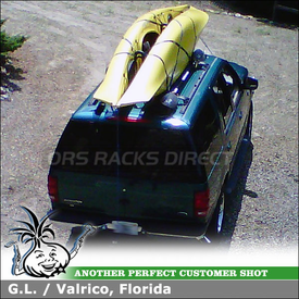 2010 Ford Expedition Kayak Rack using Thule 830 Kayak Stacker Mounted to Factory Rack Crossbars