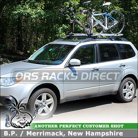 2010 Subaru Forester Side Rails Mounted Roof Rack Crossbars + 2 Bike Trays using Thule 450R Rapid CrossRoad Foot Pack, ARB47 AeroBlade Bars & INA381 Inno Fork Lock Bike Racks