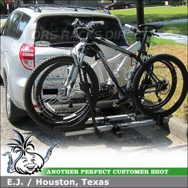 2010 Toyota  RAV4 Hitch Bike Rack using Thule 916XTR T2 Hitch Mount Platform Bike Rack