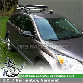 2011 Honda CR-V Roof Rack Crossbars & Ski Carrier using Thule 460R Rapid Podium (includes Foot Pack, 3042 Fit Kit & ARB47 AeroBlade Bars) and Thule 92725 Flat Top