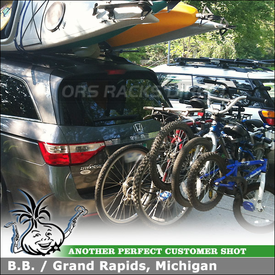 2011 Honda Odyssey with Thule Apex 5-Bike Carrier for 2 Inch Trailer Hitch Receiver Mount
