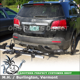 2011 Kia Sorento with Trailer Hitch Receiver and Hitch Mount Bike Tray Bike Holders