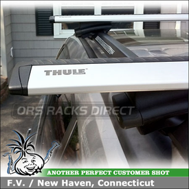 2011 Subaru Forester Roof Rack for Factory Side Rails using Thule 450R Rapid CrossRoad Foot Pack and ARB47 Thule AeroBlade Load Bars