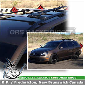 2011 Volkswagen Jetta Sportwagen with Aerodynamic Car Rack for Bikes on Raised Side Rails
