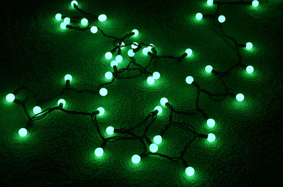 ... Indoor/Dry Outdoor Green LED Large Ball String Lights, 17FT Black Cord