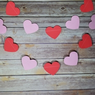 Pink and Red Heart Shaped Valentine's Day Paper Garland Banner (10FT)