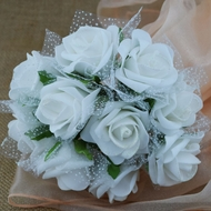 White 5-Rose Realistic Bridal Floral Wedding Bouquet w/ Tulle & Glitter
