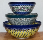 Set of 3 Nesting Bowls <BR>SAVE 20%<BR> Mixed Colors