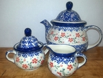 Teapot (7 c) w/Sugar & Creamer <BR> SAVE 15% <BR> Red Posies