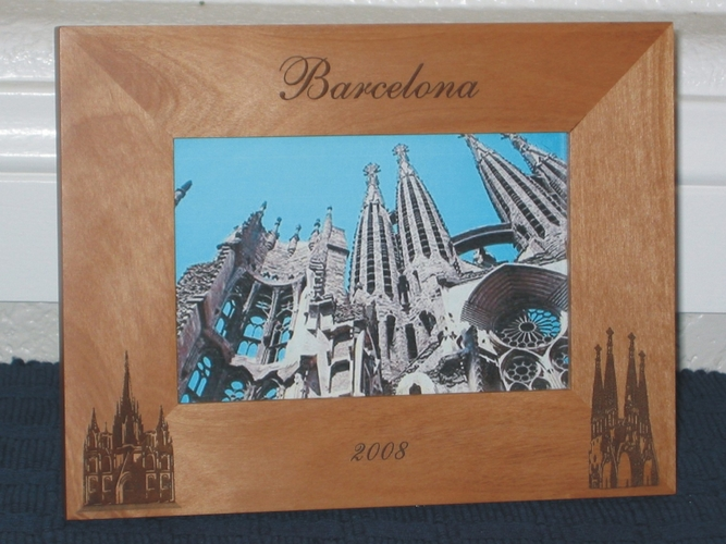 Barcelona Picture Frame - Personalized Frame - Laser Engraved La Sagrada Familia and Cathedral