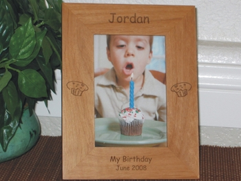 Cupcake Picture Frame - Personalized Frame - Laser Engraved Cupcakes