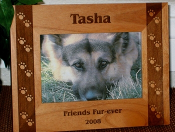 Dog Pawprints Picture Frame - Personalized Frame - Laser Engraved Pawprints Side Boarder