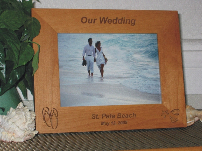 Flip Flop Picture Frame - Personalized Frame - Laser Engraved Flip Flops and Beach Sea Shells