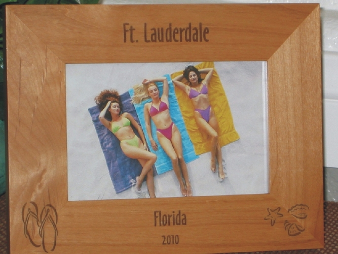 Ft Lauderdale Picture Frame - Personalized Frame - Laser Engraved Shells & Flip Flops