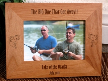 Largemouth Bass Picture Frame - Personalized Frame - Laser Engraved Largemouth Bass