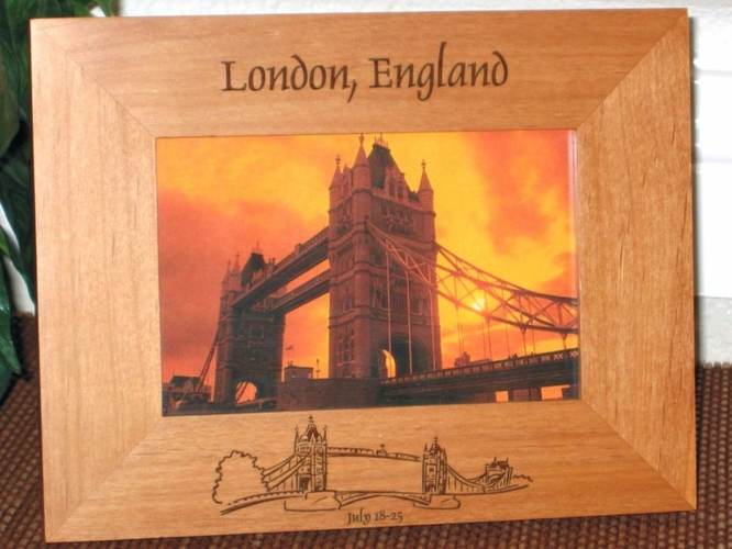 London Picture Frame - Personalized Souvenir Frame - Laser Engraved London Bridge