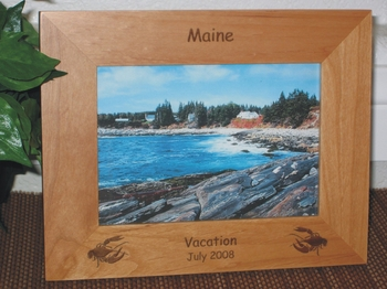 Maine Picture Frame - Personalized Souvenir Frame - Laser Engraved Lobsters