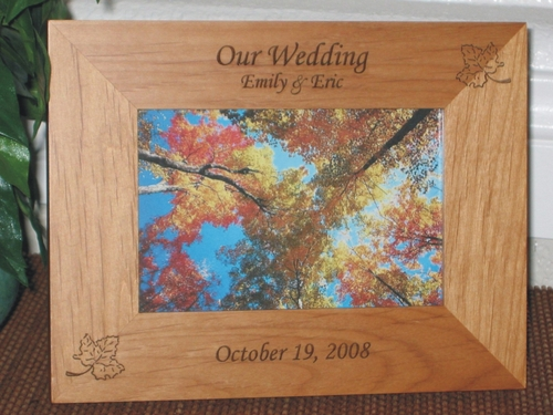 Maple Leaf Picture Frame - Personalized Frame - Laser Engraved Maple Leafs