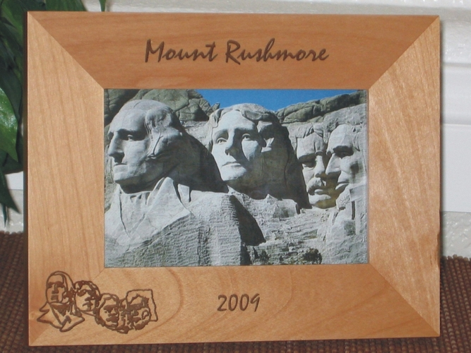 Mount Rushmore Picture Frame - Personalized Frame - Laser Engraved Mount Rushmore