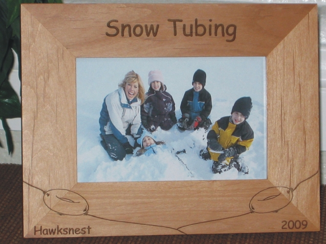 Snow Tubing Picture Frame - Personalized Frame - Laser Engraved Snow Tubes on Hill