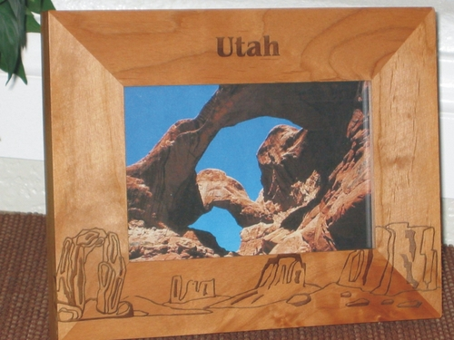 Utah Picture Frame - Personalized Frame - Laser Engarved Rocks and Arches