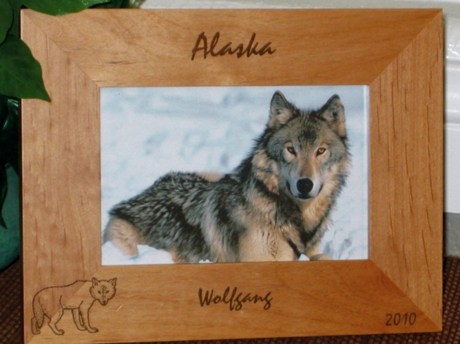 Wolf Picture Frame - Personalized Frame - Laser Engraved Wolf