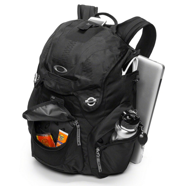 0b45ce2735a Oakley Bag Pack « One More Soul