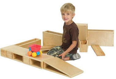 ECR4Kids 18 Piece Wooden Hollow Block Set