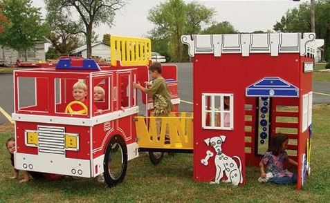 SportsPlay Tot Town Fire Engine House Combo