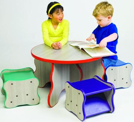 Wavy Legs Table & 4 Stool Set