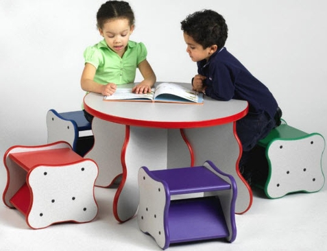Wavy Table and Stools Set
