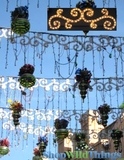 "Clearance - Indoor / Outdoor Lighted 40"" Festoon w/ 100 Lights"