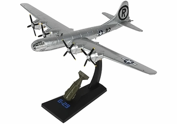 """B-29 Superfortress Model, USAAF, """"Enola Gay"""" - Air Force 1 0112 - click to enlarge"""