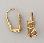 Pierced earrings euro clasp lever back Gold Cat sitting