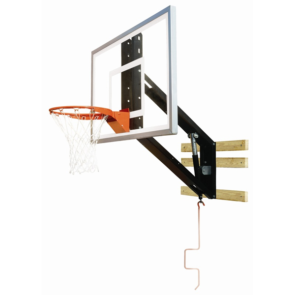 Pole mounted basketball hoop