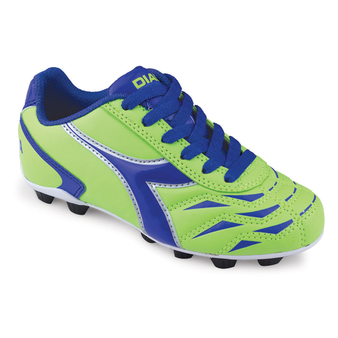kids soccer shoes: