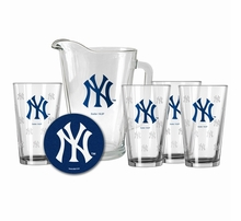 New York Yankees Kitchen & Bar