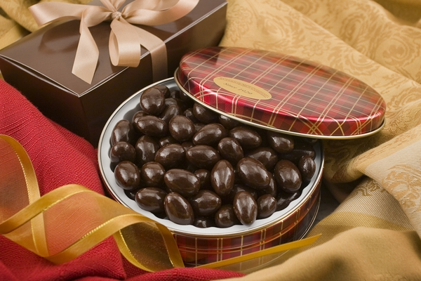 10oz Dark Chocolate Covered Almonds