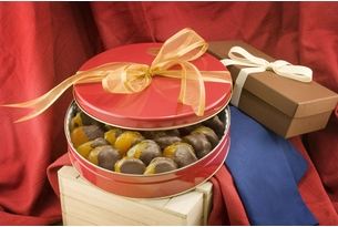 40oz Chocolate Dipped Glazed Apricots Gift Tin