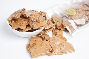 Fresh Pecan Brittle (1 Pound Bag)