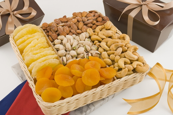 Fruit and Nut Basket (2 Pound Basket)