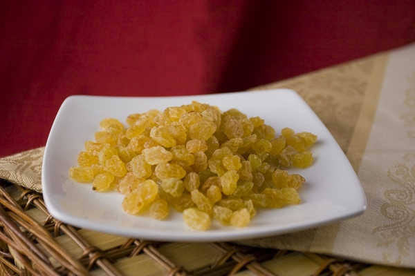 Golden Raisins (1 Pound Bag) - No Sugar added