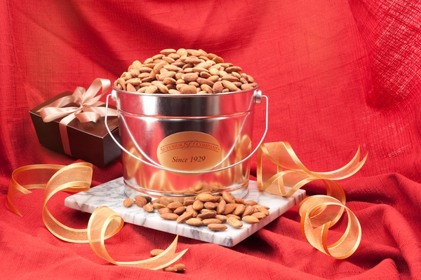 Jumbo California Almonds (2 Pound Bucket)
