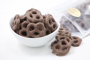 Milk Chocolate Pretzels (14 oz Bag)